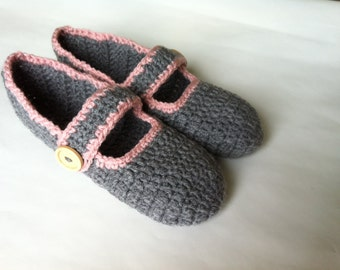 Super soft and warm, Crochet  Adult Slippers , women's house shoes, wooden buttons house shoes