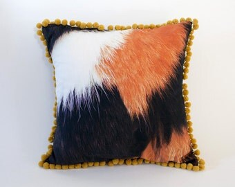 Cushion cover - 3 mixed colored cat pattern with bonbon frill - yellow