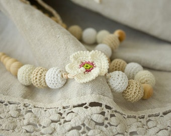 White Poppy Crochet Nursing / Breastfeeding Necklace - white, cream, beige - baby shower gift, babywearing - FrejaToys