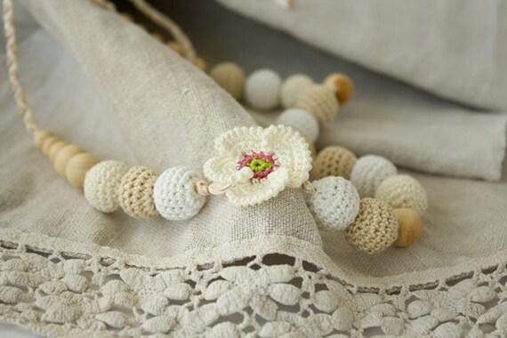 White Poppy Crochet Nursingn / Breastfeeding Necklace - white, cream, beige - shower gift, teething toy, babywearing, attachment parenting