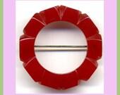 Art Deco Cherry Red Bakelite Brooch - Vintage Carved Bakelite Pin