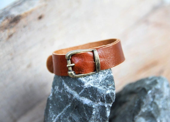 Chic handicraft tan soft genuine cow leather bracelet