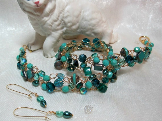 Turquoise Beaded Wire Crochet Necklace Set, beadwork necklace, handmade bead jewelry