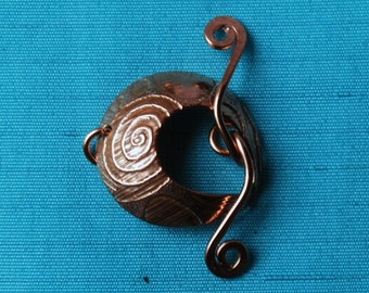 Round copper toggle clasp - spiral pattern - handmade