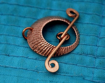 Round copper toggle clasp - Japanese illusion pattern- handmade