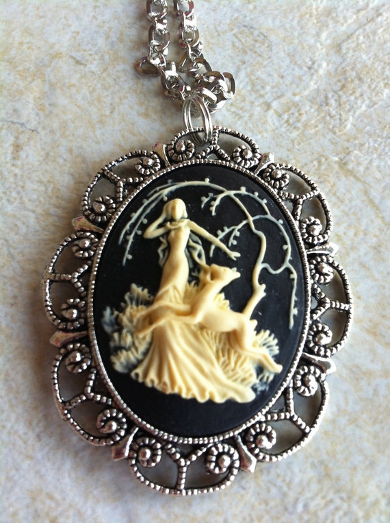 Aphrodite Renaissance Greek Goddess God Chariot Horse Cameo Necklace Pendant Vintage Victorian Style Cameo Scarf Purse Charm