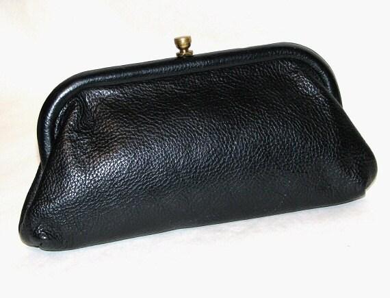 Vintage 60s Classic Black Pebbled Leather ROGER VAN S Frame Clutch Bag