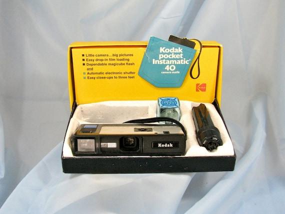 Camera, Vintage.Kodak Pocket Instamatic 40, Camera outfit c1972. sale price