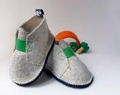 Newborn Baby shoes, easter shoes, wool felt, children clothing, easter grass green, spring children clothing, Sz. 0 - 3 months