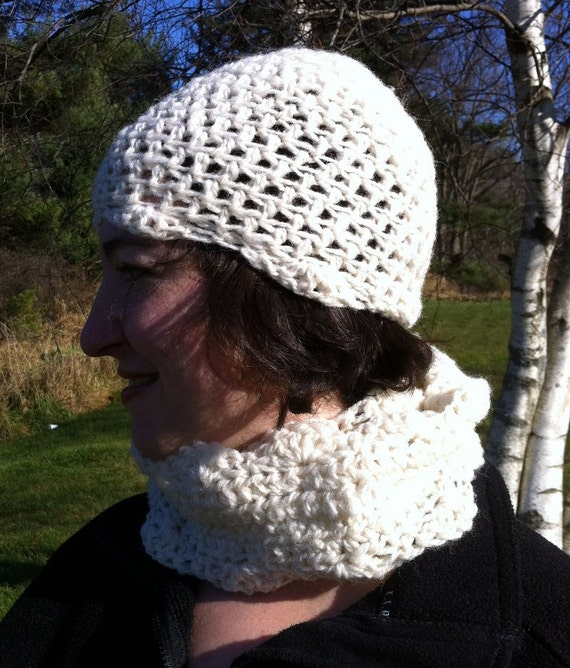Handspun Wool Crochet Hat and Cowl