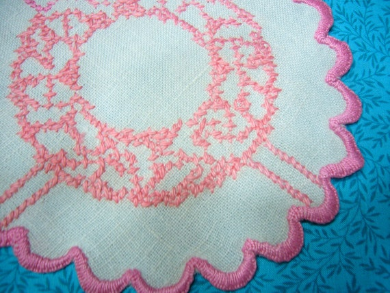 Vintage round pink and white doily for crafts, sewing, housewares, linen, trim, holiday, table, valentines by MarlenesAttic