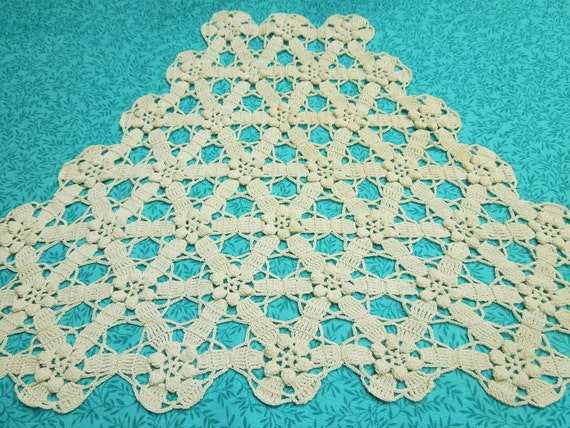 Vintage Ivory hand crochet doily for housewares, home decor by MarlenesAttic