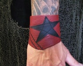 Guys Leather Bracelet Red and Black Star