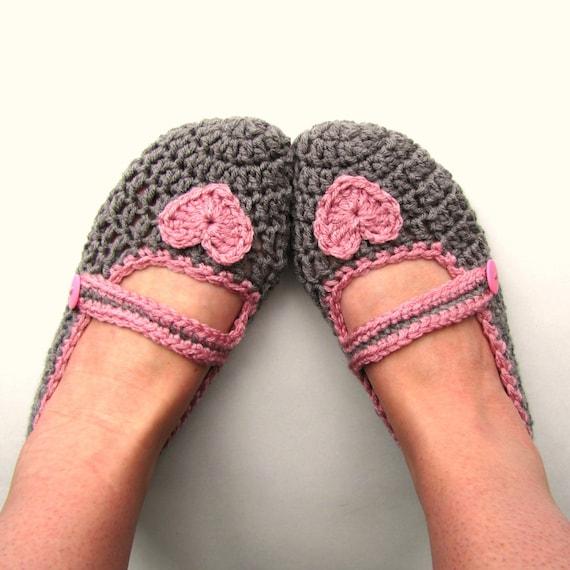 SLIPPERS PATTERN / The Crochet Mary Jane Heart Slippers / Ladies Slippers Pattern / Crochet Slippers Pattern / Pattern for Crochet Slippers