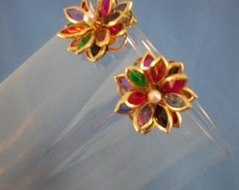 REDUCED Vintage colorful petal flower clip earrings (C18)