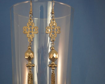 Vintage 4 inch gold chain pierced earrings (P26)