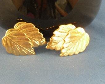 Clearance Vintage Gold Leaf Pierced Earrings (P24)