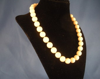 Ivory strands of beads 18 inch necklace. (N28)