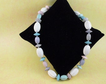 Multi colored beaded necklace (N57)