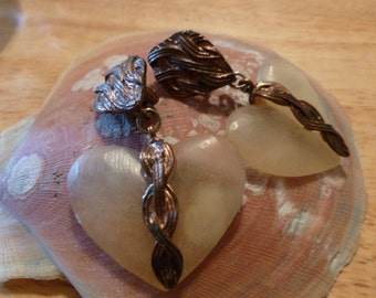 Brown wired heart stone Clip Earrings.(C108)