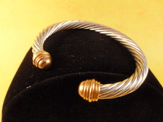 Silver Rope Bracelet with Gold tone tips. (B31)