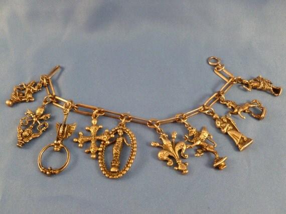 Roman silver charmed bracelet. (45)