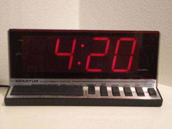 Spartus retro alarm clock - large display digital electric vintage alarm - Model 1150 Year 1984