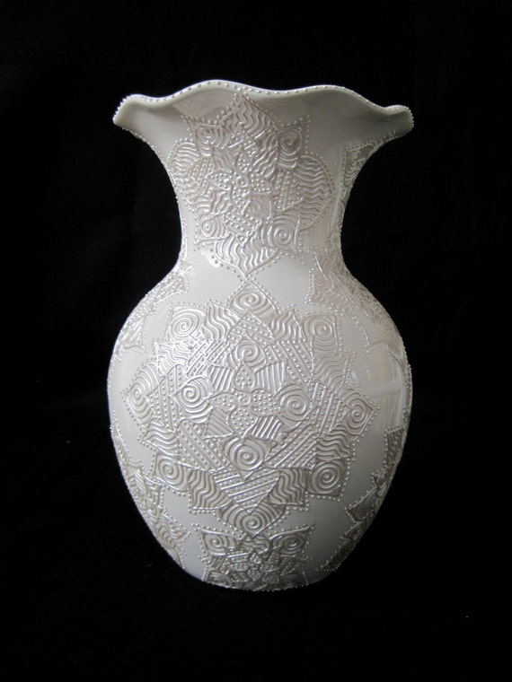 Decorative Large size Vase -- White Vase with Intricate Hand-Painted Pearl Abstract Flowers Design