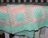 Baby blanket/afghan white/peach/mint