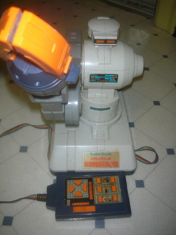 1980 S Armatron Mobile Remote Controlled Robot Radio