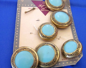 Wow Fantastic Le Chic Vintage Button Set from the 1940's