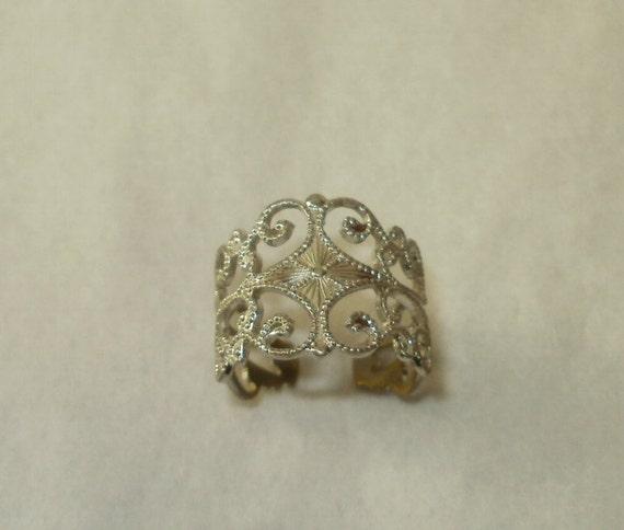 Vintage Sarah Coventry Filigree Silver Tone Ring Adjustable