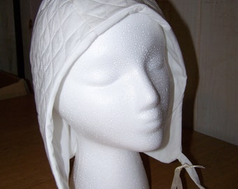 Padded Arming Cap in white or black