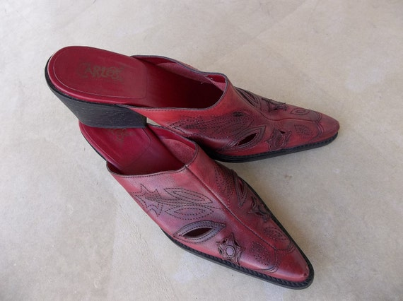 Clearance Sale--was 35.00--Vintage Shoes--Carlos Santana Mules--Red Hot Peppers-size 7.5 M
