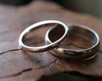 10k white gold half round wedding band set (2 rings)