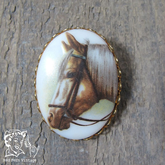 Vintage Horse Cameo Pin