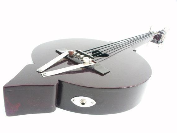 Handmade Custom Uke-Bass, Gummy strings, electric guitar, acoustic
