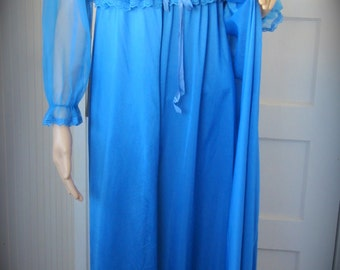 Vintage 60s Periwinkle Baby Blue Lace Vintage Nightgown & Robe Set