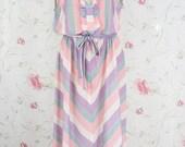 Vintage pastel dress in pastel chevron stripes M-L