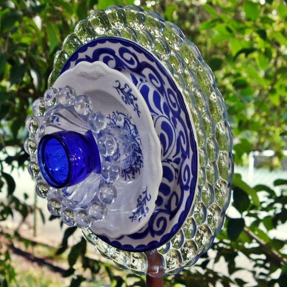 Vintage Ornamental Banner: GARDEN FLOWER ART Blue Glass Plate Flower Garden Yard Art