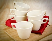 Melamine, Melmac creamed colored coffee mugs w/ mid century handles, cups (set of 6)