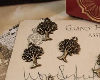 10pcs Vintage Antique Bronze Tree Leaf Charm Pendant (BC383)