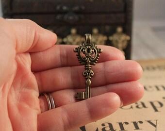 6pcs Large Antique Bronze Crown Key Charm Pendant 46 x 20mm (BC183)