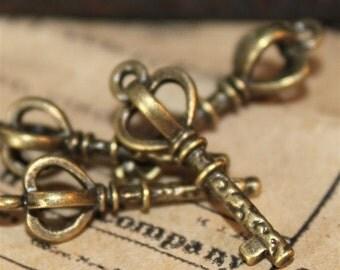 10 pcs Antique Bronze Royal Stave Key Charms 25mm (BC222)