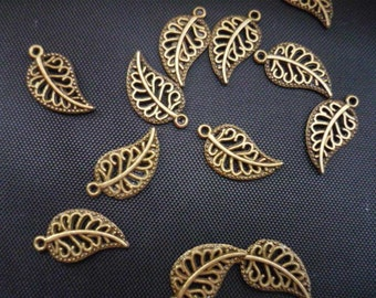 30 pcs Antique Bronze Leaf Charms 18mm (BC362)