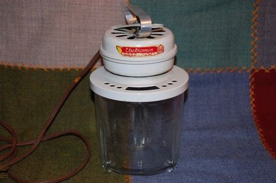 SALE.  Electromix electric mayonaise mixer vintage by Meljax Manufacturing Corporation, with glass measuring bowl