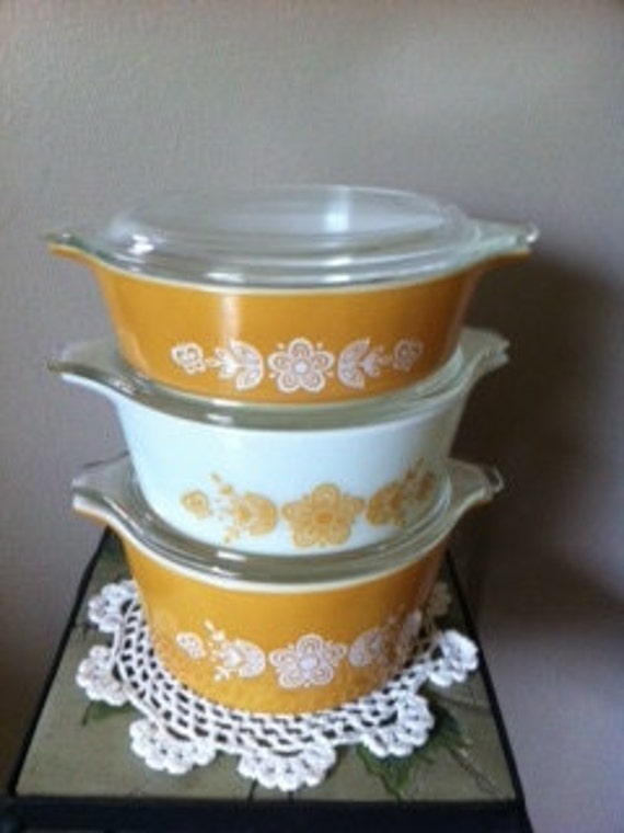 Vintage Pyrex Set of three(3) covered dishes in Harvest Gold and White