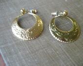 Gold Hoop Earrings Circle Ring Leaf Motif Jewelry Classic Everyday Wear