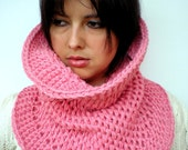 Hourglass Cowl Super Soft  Neckwarmer Double Face Reversible Big  Chunky Cowl