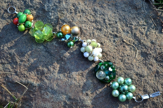 Recycled Vintage Jewelry CHUNKY Bracelet Beaded Cluster Clip On Earrings GREENS
